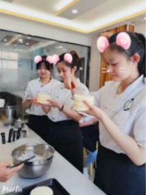 山東菏澤烘焙培訓蛋糕培訓-正規培訓蛋糕多久可以學會?