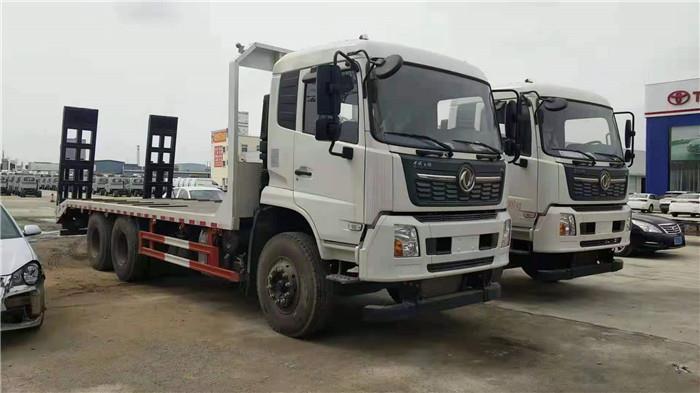 国六东风天锦后八轮平板拖车厂家报价 30吨挖机的平板批发