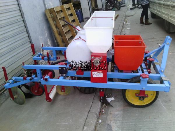 厂家供应小型玉米地膜覆盖播种机_花生覆膜机