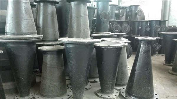 忻州聚源铸造dn1400球墨铸铁承盘短管球墨铸铁管件