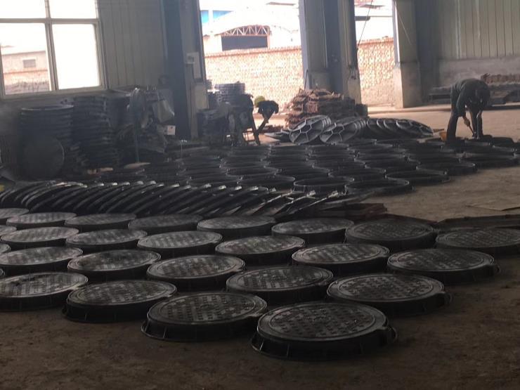 辽宁300X500弧形铸铁地沟盖板批发