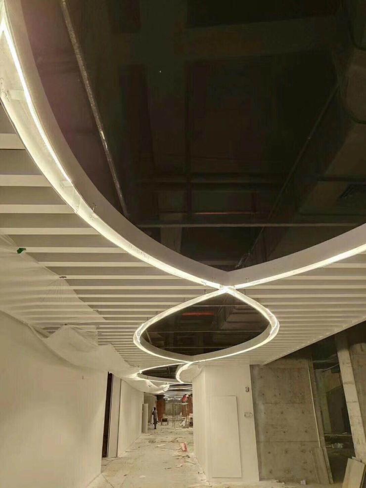 嘉兴弧形铝方通生产销售厂家