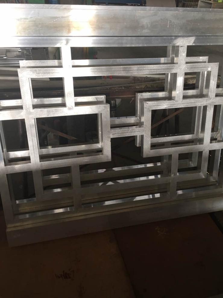 宣城仿古铝窗花板施工