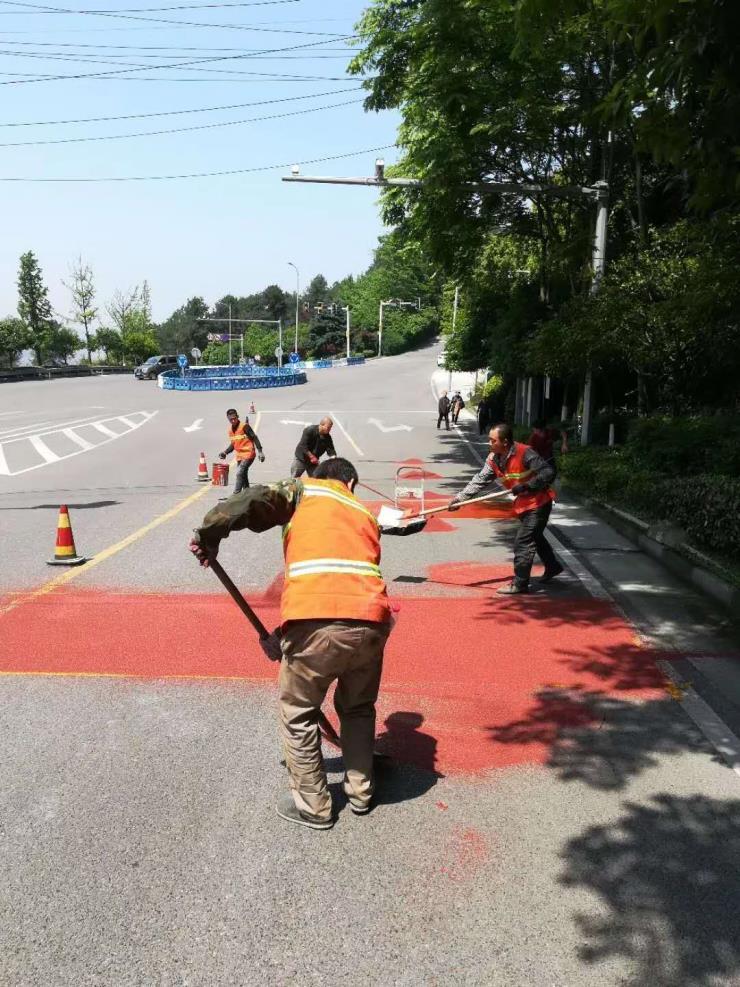 重慶陶瓷顆粒防滑路面施工公司