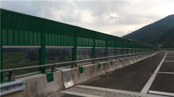 安陽市高鐵隔音板生產廠家