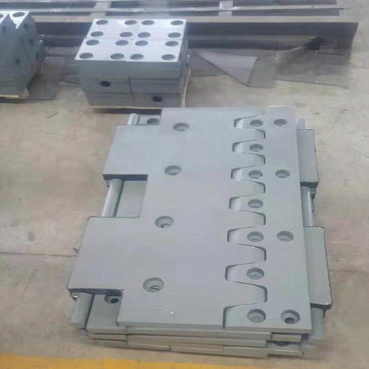 衡阳市雁峰区F-160型伸缩缝焊接牢固