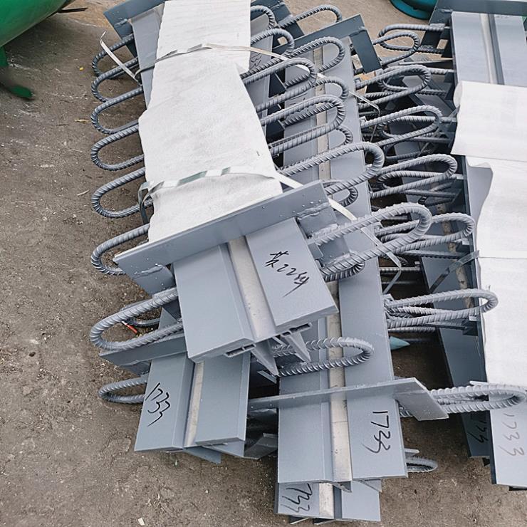 陆韵钢板伸缩缝施工设备全