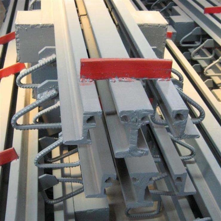 黄石市下陆区板式伸缩缝安装图片