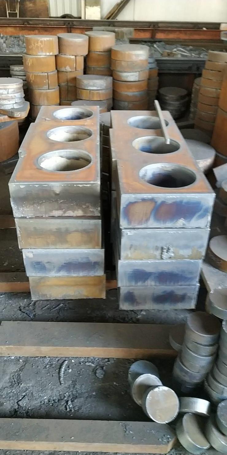 新民钢板切割机械零部件