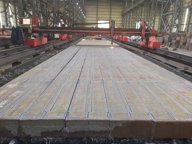 沙钢宝钢南钢等钢板厂家数控火焰切割尺寸精准加工余量小