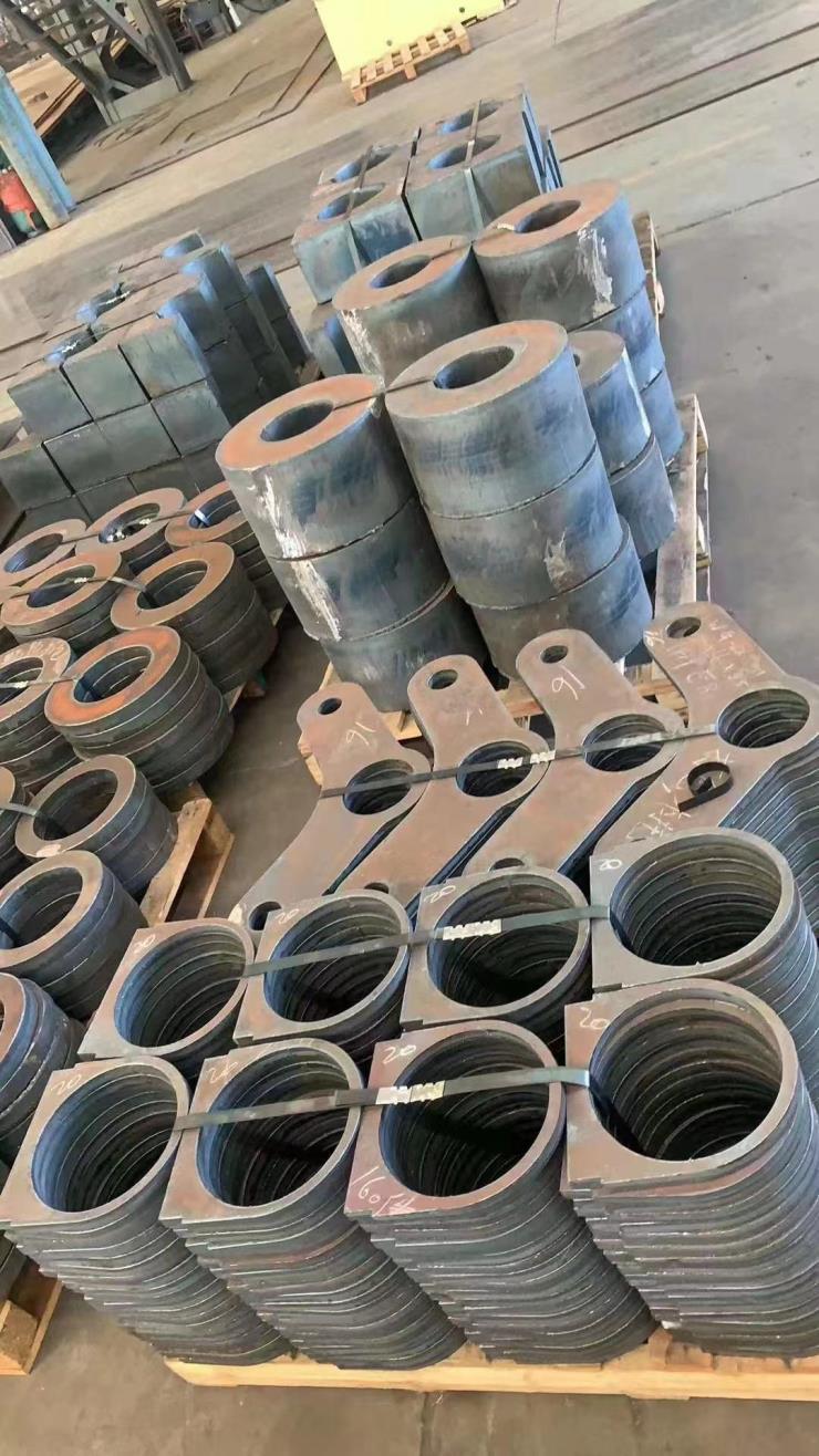 中厚钢板切割8-550mm厚材质丰富规格齐全现货切割下料