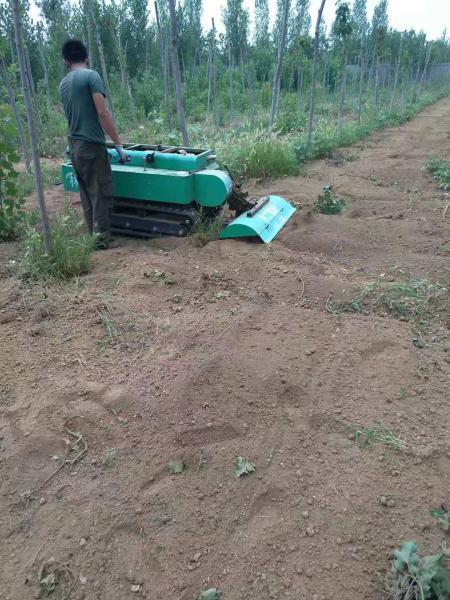 林工制作郊区小型果园开沟机操作视频