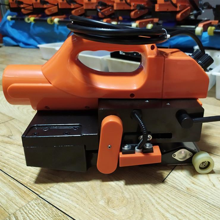 貴州畢節爬焊機視頻 防滲膜焊接機