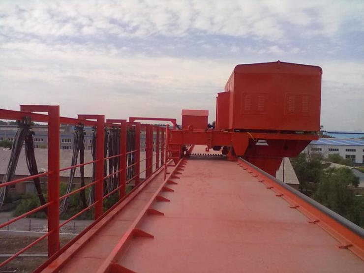 永豐縣礦山用5噸23.5米包廂龍門起重機配件