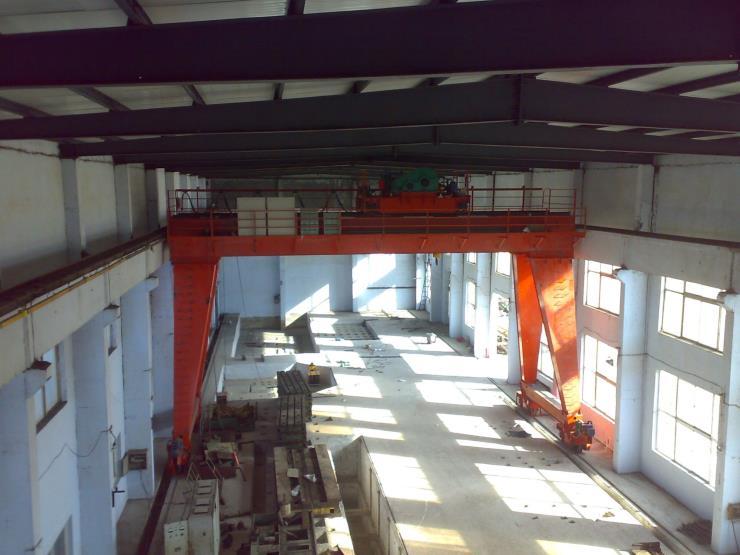 靖宇县矿山用10吨22.5米花架双梁起重机
