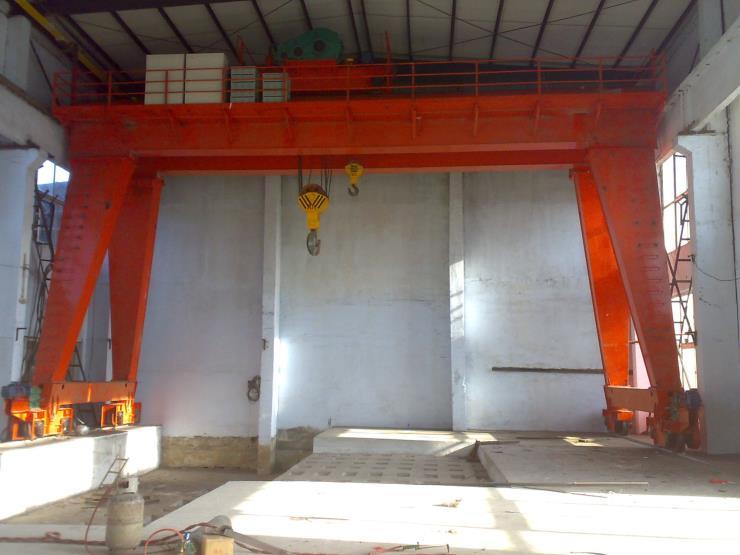 8吨龙门吊QD型MDS型25/2-75/5t双主梁门式起重机(公路门机)