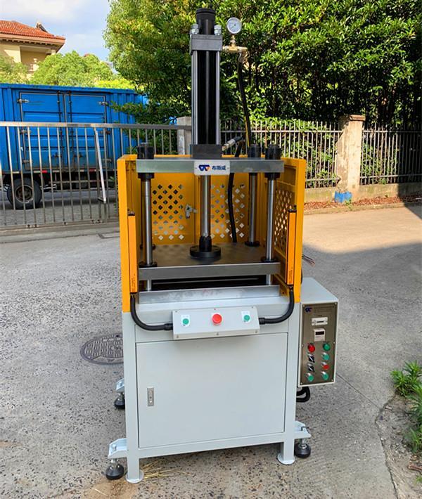 上海温度2度误差空调制热压机工作铜管不热