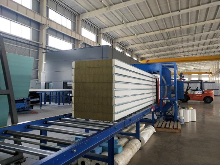 湖北荆门新型金属幕墙板-聚氨酯复合保温板-定制板型
