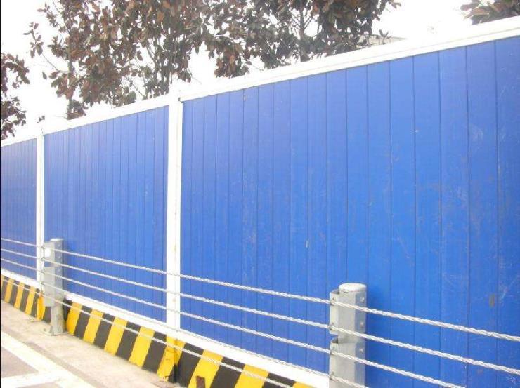 晉城澤州市定制彩鋼圍擋、高速隔音圍擋廠家供應