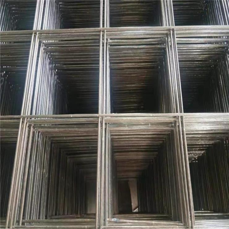 实体厂家可制不同规格的焊接钢丝网片-2mm粗钢丝网有现货