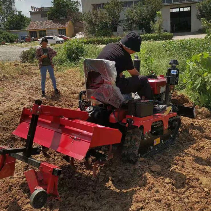 25马力草莓基地履带旋耕机 小型履带旋耕机
