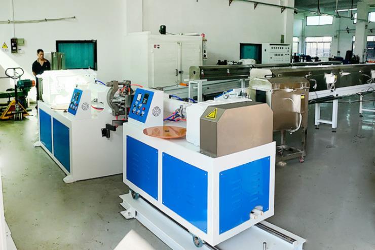 80+65双色硅胶管押出机生产线厂家价格实惠