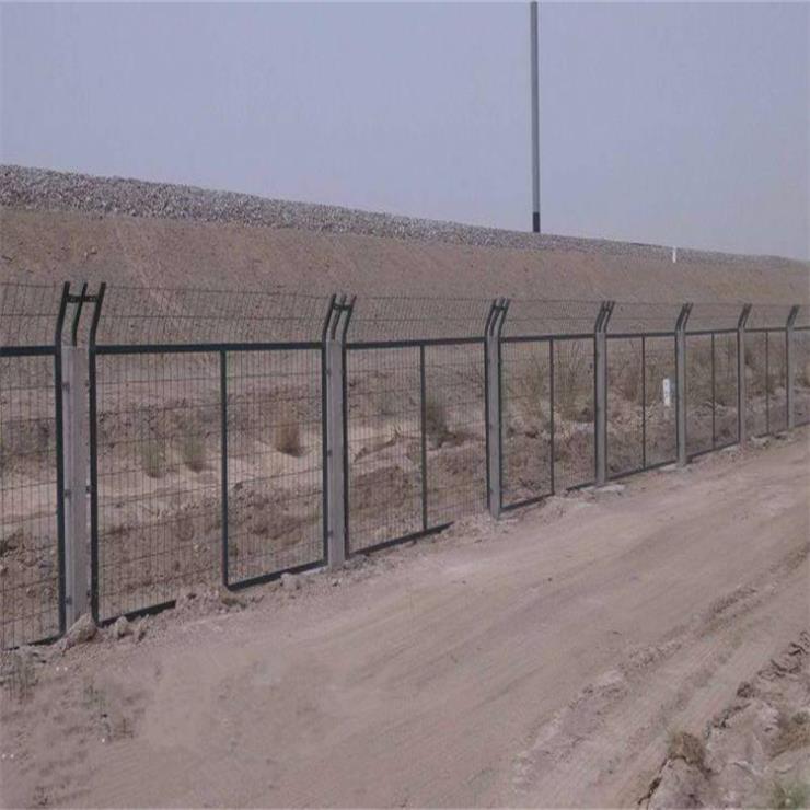 框架铁路防护栅栏-高铁隔离围栏价格-铁路水泥栅栏厂家