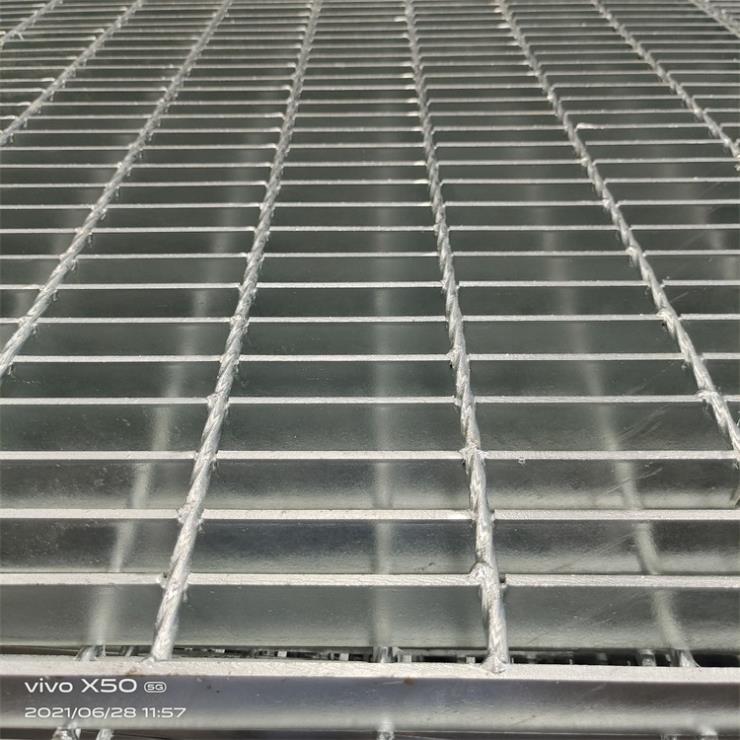 莱昌生产制造压焊钢格板 重型格栅板 规格齐全