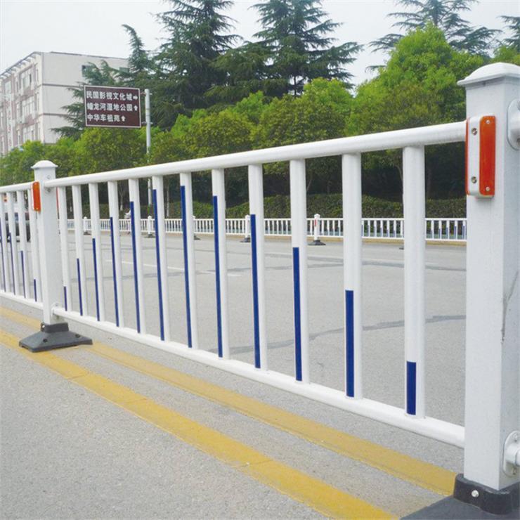 江西锌钢市政护栏网 南昌县锌钢市政护栏